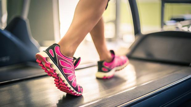Banda de alergare pentru slabire și pentru îmbunătățirea circulației