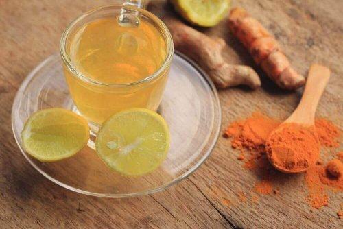 Ceai de turmeric cu lămâie